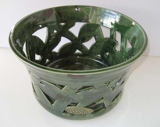Skål av keramikern Margaretha Holmlund